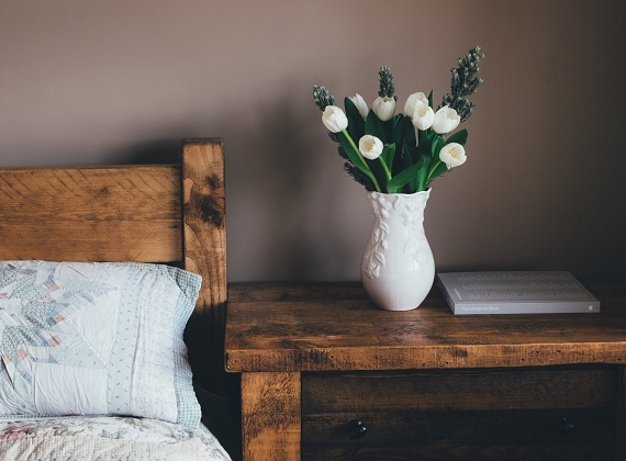 flower_vase_book_table_bed-47974
